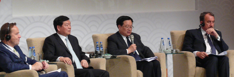 Paneliści w trakcie prelekcji