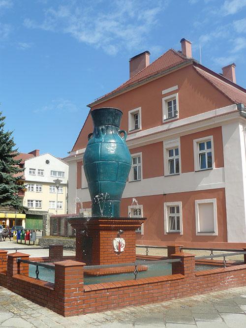 3-fontanna-garniec