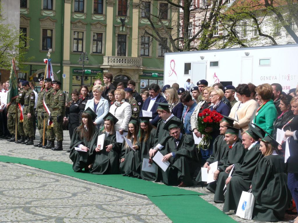 Uroczystość pożegnania klas IV Technikum ZSZiO w Kamiennej Górze